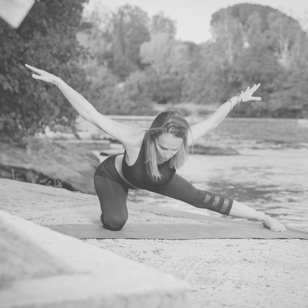 anne yoga-agde 1nb